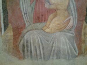 dettaglio inferiore dell'affresco immagine della Vergine