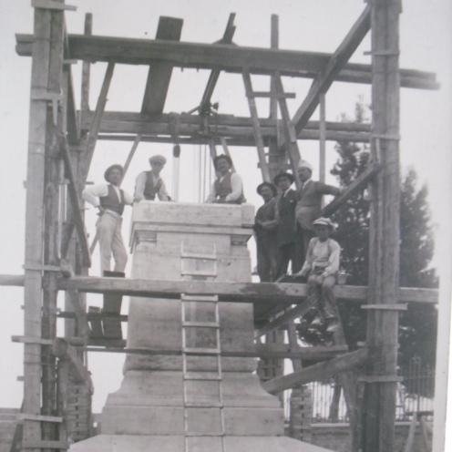 installazione monumento osimo foto d'epoca avd@